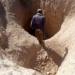 العثور على مقابر جماعية داخل آبار نفط في جبال بالعراق (صور)