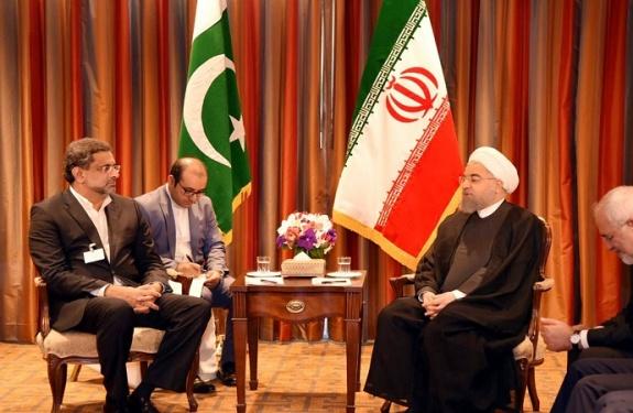 رئيس الوزراء الباكستاني والرئيس الإيراني يبحثان الوضع الأمني في المنطقة