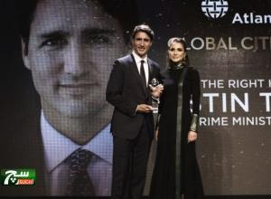 جاستن ترودو يتسلم جائزة من الملكة رانيا