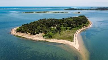 لأول مرة منذ ۳۰۰ عام.. جزيرة أمريكية تفتح أبوابها للعامة