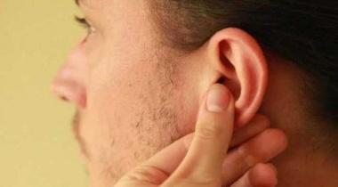 فوائد صحية مدهشة لتدليك الأذن بشكل يومي