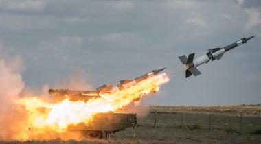 الدفاعات الجوية تتصدى لطائرات معادية في أجواء محيط العاصمة صنعاء